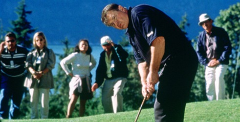 Cudo Na 17 Rupi Miracle On The 17th Green Film Mojtv Net